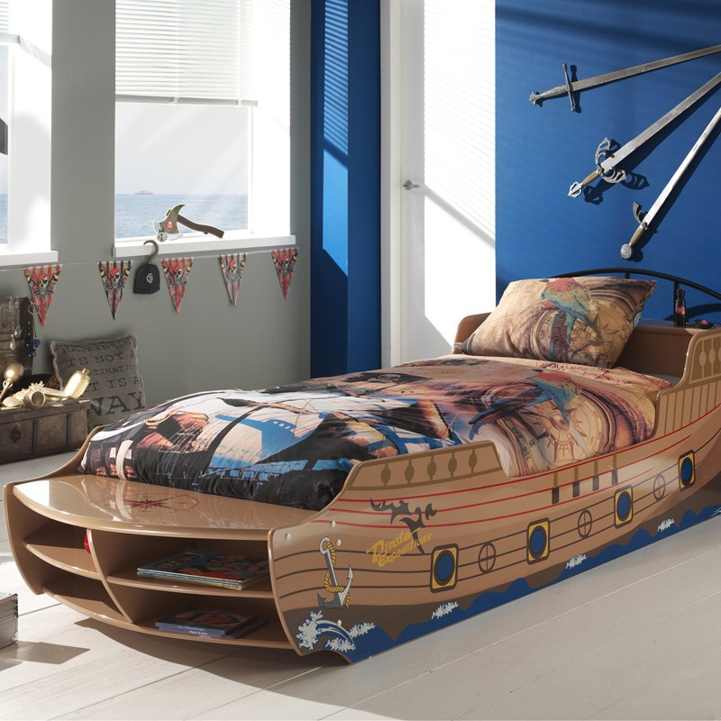 lit enfant bateau pirate marron. Black Bedroom Furniture Sets. Home Design Ideas