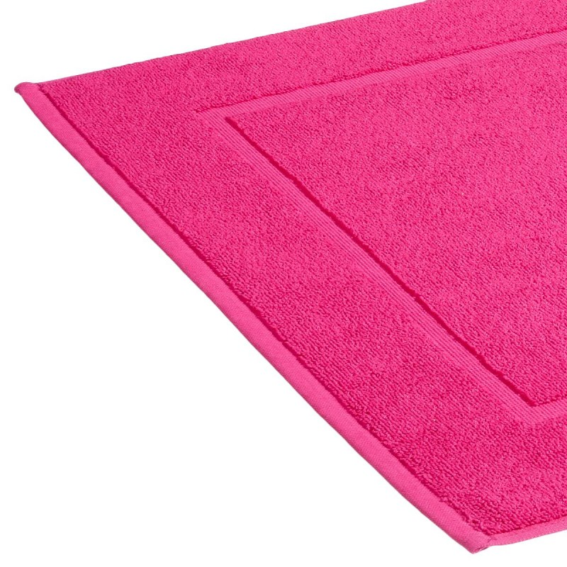 tapis de bain 600g m 50x70cm fuschia. Black Bedroom Furniture Sets. Home Design Ideas
